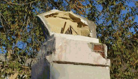 В России, вслед за Украиной начали, падать памятники Ленину