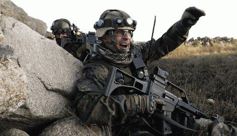 Немецкие солдаты готовятся выехать в зону АТО