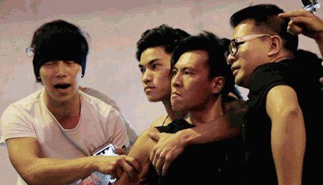 Среди задержанных полицией Гонконга титушек, многие входят в состав триад
