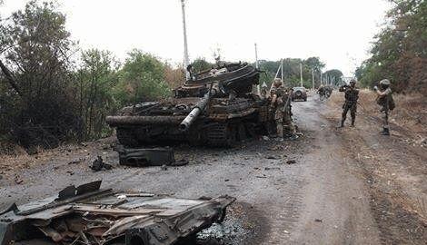 """В результате ответного огня силы АТО уничтожили танк """"ЛНР"""""""
