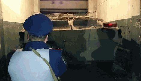 В одном из гаражей на окраинах Харькова было обнаружено БТР-80