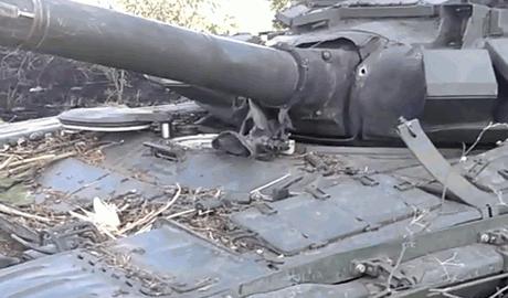Украинские военные взяли в плен 5 российских танкистов (видео)