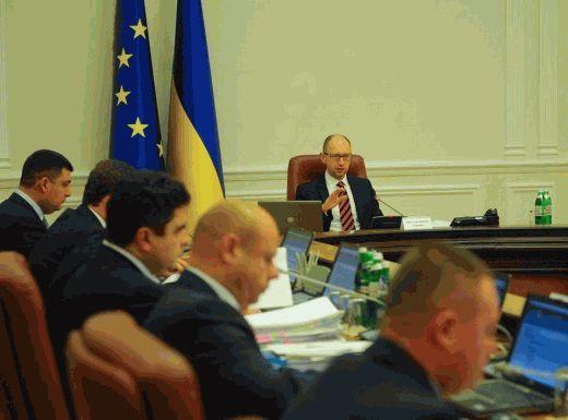 Яценюк предложил отстранить от выполнения обязанностей министра здравоохранения