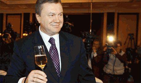 Верховная Рада Украины лишила Януковича статуса Президента Украины