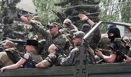 В российской армии – порядок, дисциплина. А боевики – колхозники, прут и мрут, как мухи, – бывший ФСБшник воюющий в рядах Правого сектора