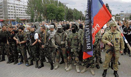 У боевиков не хватает «пушечного мяса»? Военкоматы ДНР уже рассылают повестки жителям Донбасса