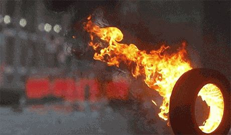 В Луцке зреет новый майдан? Под зданием горсовета уже горят шины