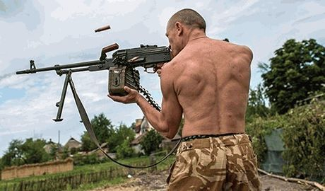 Уставшие от безумных выходок «Моторолы» боевики решили вручить главарю «черную метку»