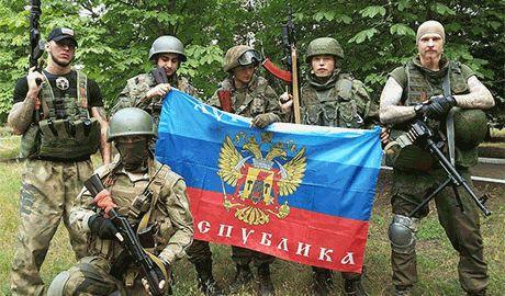 В ЛНР продолжается внутренний сепаратизм. Наемники из Чечни, Египта и Сербии отказались признавать «авторитет» местных боевиков