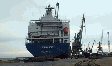 Мы не для того шли в Россию! – работники Севастопольского порта возмущены нищенской зарплатой и угрожают забастовкой