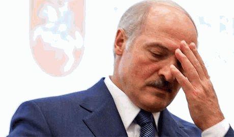 """Лукашенко """"удручает"""" поведение российской власти"""