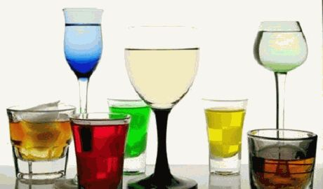 Норвежские исследователи выяснили, как алкоголь влияет на поведение мужчин и женщин