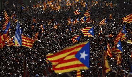 В Каталонии начались массовые протесты против решения суда приостановить референдум