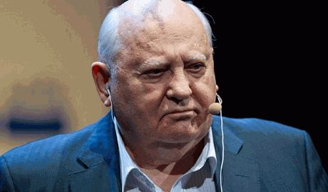 """Горбачев, который радовался аннексии Крыма призвал украинцев """"одуматься"""" и не строить """"стену"""" на границе с РФ"""