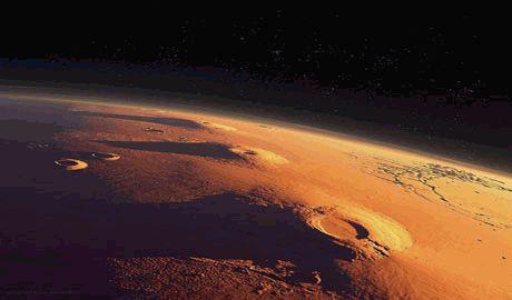На Марсе найден космический корабль и не только