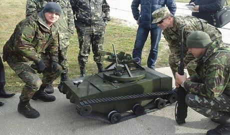 Бойцы 24-й отдельной механизированной бригады  получили мини-танк-разведчик (ВИДЕО)