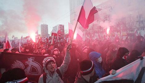Поляки, 25-тысячным маршем отметили день независимости