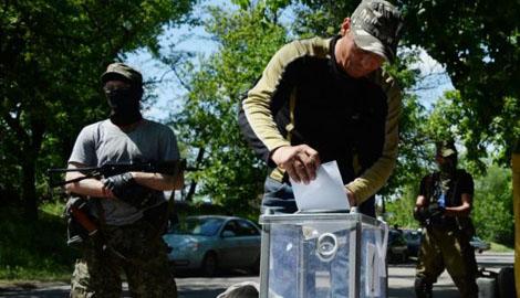 """В """"ЛНР"""" хотят провести референдум, который узаконит войска РФ на территории Донбасса"""