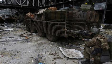 Террористы пытаются взять в кольцо Донецкий аэропорт