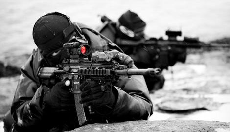 Техника подвела или у кого то руки не из того места. Русские военние сняли ролик как они  «упражняються» с оружием (ВИДЕО)