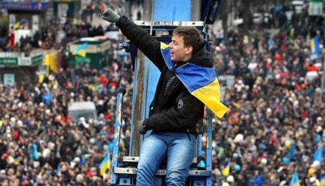 "Как и год назад, сегодня люди на Майдане кричали ""Позор президенту!!!"""