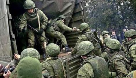 Около тысячи военнослужащих РФ покинули оккупированные территории Донбасса