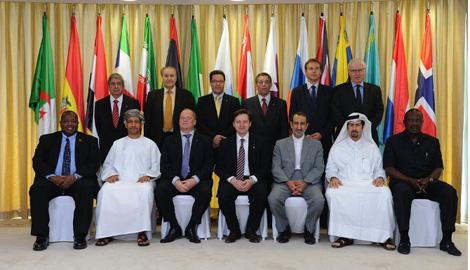СМИ: Страны-члены ОПЕК решили не сокращать добычу нефти