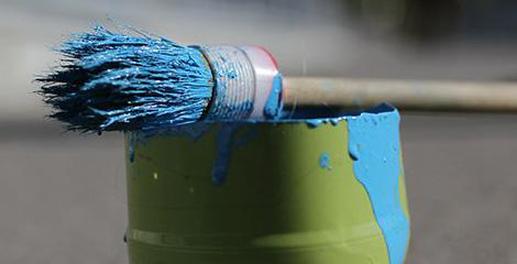 Российские террористы начали охоту на покупателей синей или желтой краски