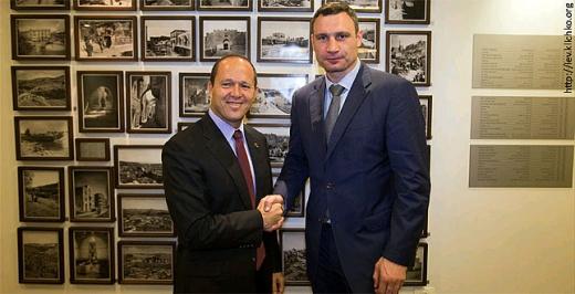 Виталий Кличко планирует остаться в Иерусалиме