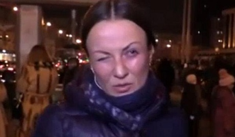 "Журналисты показали как вчера ""избивали"" сотрудницу LifeNews ВИДЕО"
