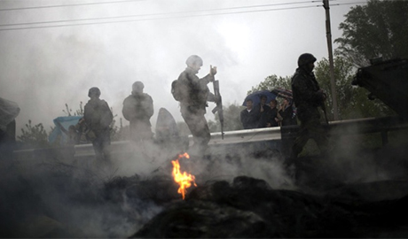 """Боевики утверждают, что """"уничтожив"""" танковую колонну ВСУ в пригороде Донецка сорвали наступление украинской армии"""