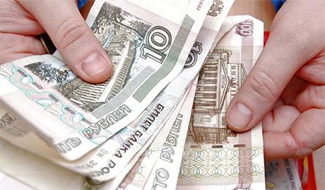 """Эксперт: катастрофическая девальвация рубля толкает россиян к """"финансовому туризму"""" в Белоруссию…"""