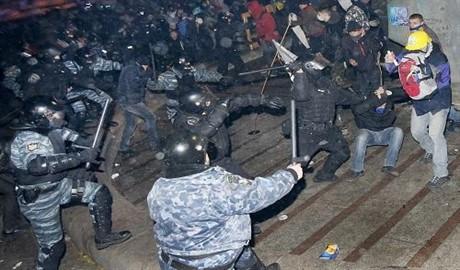 Подходит до конца расследование о разгоне Евромайдана 30 ноября