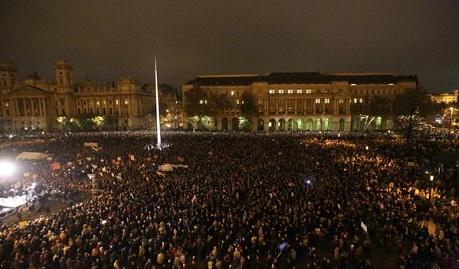 В Венгрии прошли массовые акции протеста против власти ФОТО ВИДЕО
