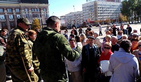 На оккупированных территориях продолжаются митинги против боевиков – СНБО