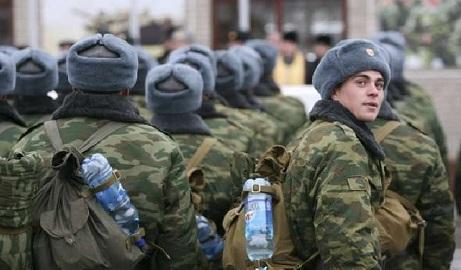 Россия отводит свои войска из-за бунта военных — СНБО