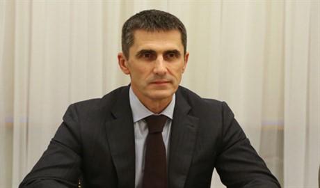 Народ требует увольнения Яремы! Какими будут действия Петра Порошенко?