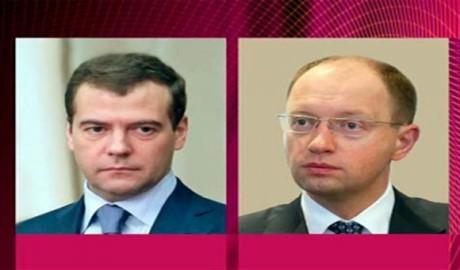 Яценюк и Медведев обсудили выполнение РФ минских договоренностей