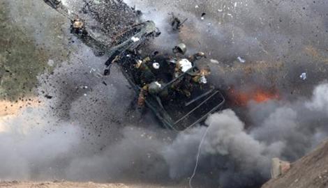 Два танка боевиков подорвалось недалеко от Мариуполя на минах, которые установили сами же террористы