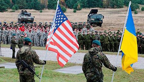 Российский политолог: Обвал рубля — это блицкриг Запада, предшествующий вторжению НАТО на Донбасс