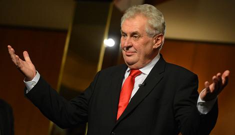 Прокремлевский президент Чехии считает, что крах рубля стабилизирует ситуацию на Донбассе