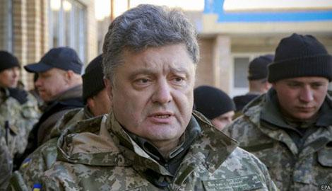 Юрий Бирюков выложил фотографии техники, которую привез Порошенко военным в зону АТО
