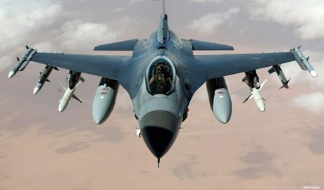 Пока Турция встречала Путина в небе произошла авария истребителя