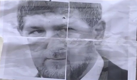 Депутат Мосийчук, пригрозил Кадырову смертью после чего расстрелял его портрет (ВИДЕО)