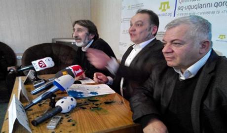 Провокатор облил зеленкой координаторов Комитета по защите крымских татар