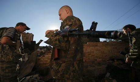 Россия продолжает наращивать военную мощь террористов на территории Донбасса
