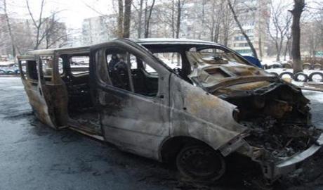 """Серии """"самоуничтожений"""" среди террористов продолжаются.В Макеевке пьяный боевик устроил стрельбу  и подорвал свой автобус с боеприпасами (ВИДЕО)"""