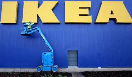 IKEA остановила на некоторое время продажу мебели и техники в России