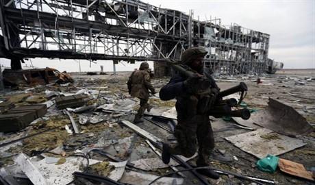 Украинские «киборги» борются до конца за стратегически важный объект – Донецкий аэропорт (ВИДЕО)