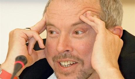 Макаревич кремлевским пропагандистам: «У нас вроде майданом и не пахнет, но ведь докричитесь, накаркаете»